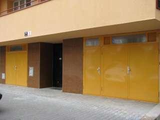 Garážová vrata DVOUKŘÍDLÁ, + vstupní dveře, Barva RAL,Brno - Veveří