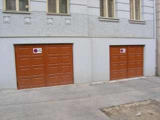 DŘEVĚNÁ VRATA 2-křídlá,Kazeta, Brno