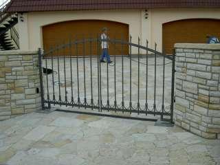 Dvoukřídlá kovaná brána+ocelová kovaná výplň, BRNO