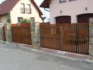 Dvouřkídlá Brána 2x +pohon + branka + oplocení ,PVC výplň,Brno