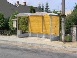 AUTOBUSOVÁ ZASTÁVKA, střecha PVC+dřevo+žárově zinkováno (3)
