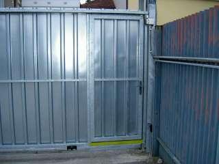 Samonosná brána, hliníková kontrukce + vstupní dveře,Brno