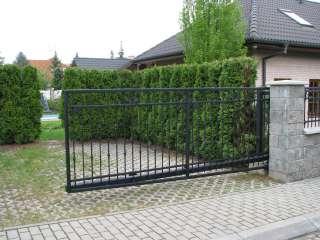 Samonosná posuvná brána + oplocení, zakázková zámečnická výroba,Brno