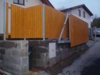 Brána nesená, žárově zinkováno, dřevěná výplň,Brno