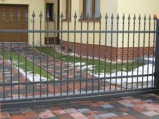 Samonosná posuvná brána,zakázková - zámečnická výroba,Brno