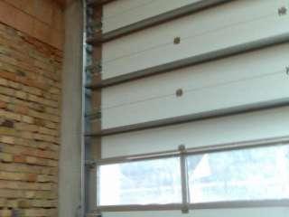 PRŮMYSLOVÁ VRATA s Hliníkovým prosklením +dveře+RAL9006 POHON