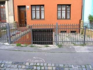 Rolovací vrata -hnědá, instalace na fasadu+oplocení,Brno