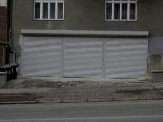 Rolovací vrata 3ks - šedá, instalace na fasadu, Brno