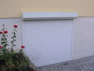 Rolovací vrata -bílá, instalace na fasadu, Brno (1)