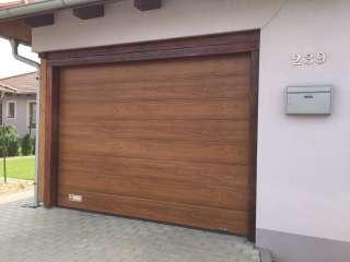 Garážová Vrata sekční, design DRÁŽKA, imitace ZLATÝ DUB ,Brno