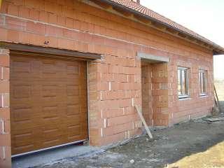Garážová Vrata sekční, design KAZETA, imitace CHERRY AMARETTO,Brno