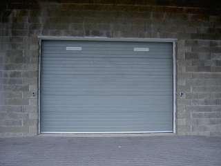 Garážová Vrata sekční design LAMELA, STŘÍBRNÁ RAL 9006+větrací mřížky