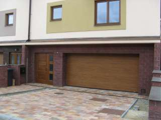 Garážová vrata sekční design LAMELA, ZLATÝ DUB, Brno-Žebětín (2)