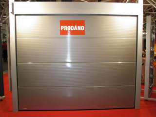 SEKČNÍ GARÁŽOVÁ VRATA-design V-PROFIL 10mm, RAL č.9007, BRNO